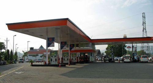 Nên chọn trạm xăng uy tín khi tiếp nhiên liệu.