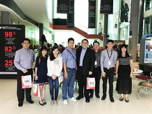 Ban Giám đốc và tư vấn viên du học Hằng Lương được mời đến tham quan trường Đại Học Inti.