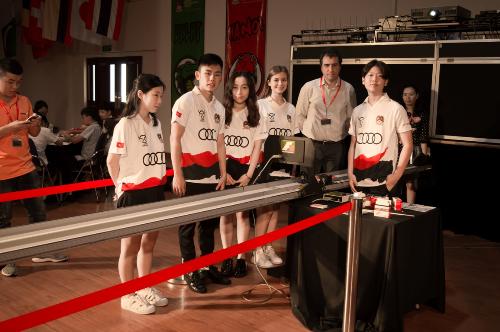 Nam Phong là đội đại diện Việt Nam gồm 5 học sinh lớp 12 có kỹ năng tốt, tận tụy và kiên trì của trường Quốc tế British HCM.