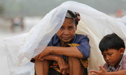 Phút tuyệt vọng trên ngọn cây của nạn nhân vụ vỡ đập ở Lào