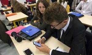 Pháp cấm điện thoại di động, máy tính bảng trong trường học