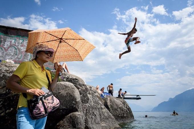 Người dân châu Âu đối mặt với nắng nóng kỷ lục 48 độ C