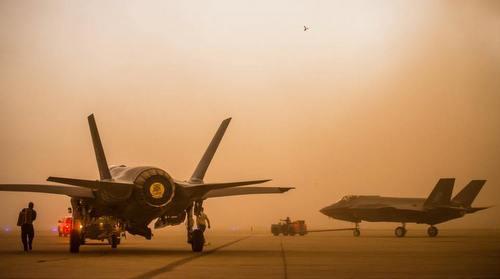Những chiếc F-35A được đưa đi sơ tán hôm 31/7. Ảnh: Luke AFB.