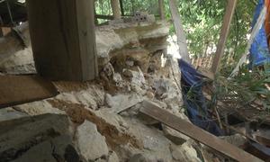 Sạt lở bờ sông uy hiếp 22 nhà dân ở Nghệ An