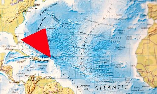 Tam giác Bermuda nằm giữa Florida, Bermuda và Puerto Rico. Ảnh: Sun.