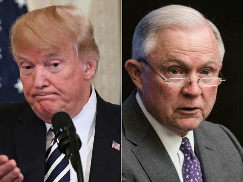 Tổng thống Mỹ Donald Trump và Tổng chưởng lý Jeff Sessions. Ảnh: AFP.