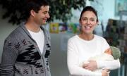 Thủ tướng New Zealand đi làm trở lại sau 6 tuần nghỉ sinh