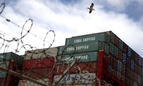 Hàng hóa Trung Quốc tại cảng ở California, Mỹ ngày 20/6. Ảnh: AFP.