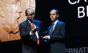 Nhà toán học Anh bị trộm huy chương vàng 4.000 USD ngay sau khi nhận