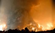 Lốc xoáy lửa hình thành trong cháy rừng ở Mỹ