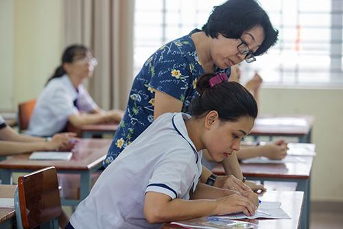 Thí sinh tham dự kỳ thi đánh giá năng lực của Đại học Quốc gia TP HCM. Ảnh: Quỳnh Trần.