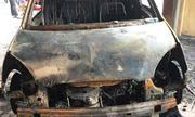 Nghi án ôtô của đại úy bị tưới xăng, đốt cháy trước trụ sở công an