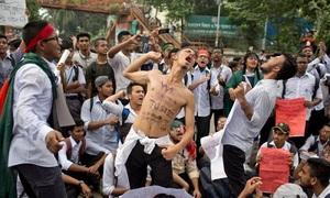 Người Bangladesh biểu tình 8 ngày vì xe buýt đâm chết hai thiếu niên
