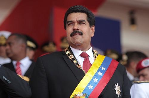 Tổng thống Venezuela trong buổi diễu binh sáng nay ở thủ đô Caracas. Ảnh: AFP.
