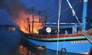 Tàu cá hai lần bốc cháy trong đêm