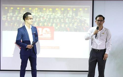 Cựu sinh viên Nguyễn Xuân Thảo (phải) chia sẻ kinh nghiệm, định hướng nghề nghiệp tại SIU.