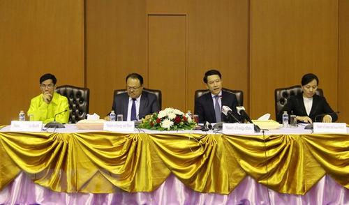 Ngoại trưởng Saleumxay (thứ hai từ phải sang) trong cuộc họp báo hôm 7/8. Ảnh: KPL.