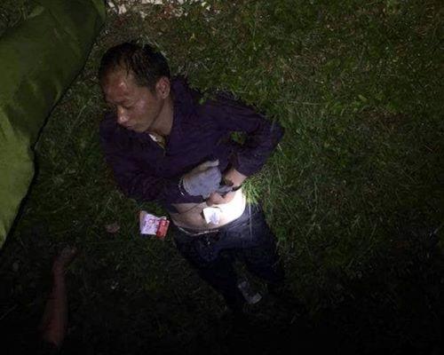Một trong hai người đàn ông Trung Quốc bị bắt. Ảnh: B.M