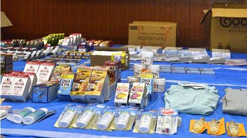Một phần số hàng ăn cắp của nhóm người Việt được cảnh sát tìm thấy. Ảnh: ANN News