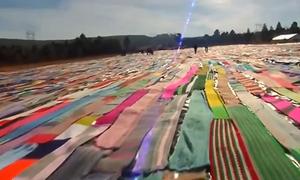 Chiếc khăn đan tay dài 29 km ở Nam Phi