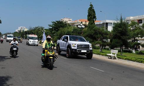 Xehơi, môtô gắn đèn ưu tiên tham gia lưu thông trên đường. Nguồn ảnh: facebook