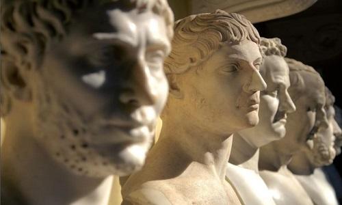 Tượng bán thân của các hoàng đế La Mã. Ảnh: iStock.