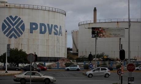 Một cơ sở lọc dầu ở Curacao, Venezuela ngày 22/4. Ảnh: Reuters.