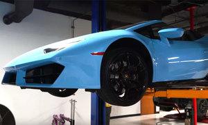 Thay dầu cho siêu xe Lamborghini Huracan như thế nào