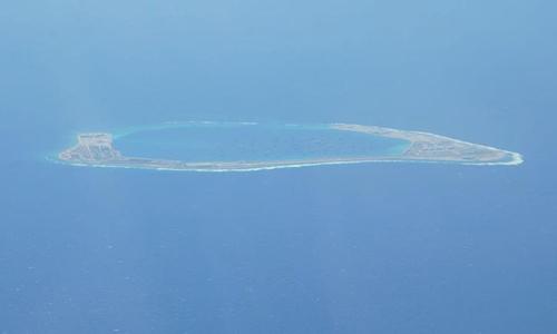 Phóng viên CNN chứng kiến Trung Quốc yêu cầu máy bay Mỹ rời khỏi Biển Đông