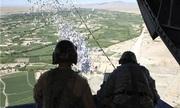 Syria rải truyền đơn gọi hàng xuống thành trì Idlib của phiến quân