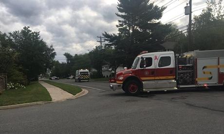 Lực lượng phản ứng khẩn cấp có mặt tại hiện trường ở Fredericton ngày 10/8. Ảnh: Twitter.
