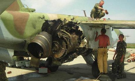 Cường kích Su-25 Nga bị hư hại sau khi trúng tên lửa Gruzia. Ảnh: TASS.
