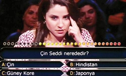 Su Ayhan tham gia Ai là triệu phú tập phát sóng ngày 4/8. Ảnh:HürriyetDaily News