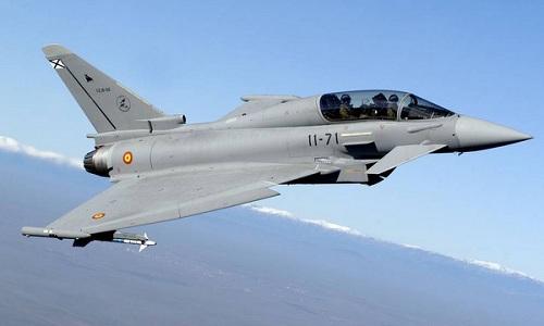 Tiêm kích Typhoon của Tây Ban Nha diễn tập ở vùng Baltic năm 2012. Ảnh: Aviationist.
