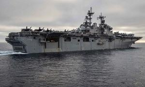 Binh sĩ trên tàu đổ bộ Mỹ rơi xuống biển mất tích ở Philippines
