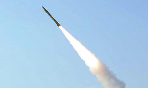 Tên lửa Fateh-110 trong một cuộc phóng thử năm 2017. Ảnh: Sputnik.