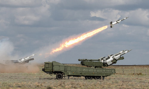 Tên lửa phòng không Syria khai hỏa trong một cuộc tập trận năm 2011. Ảnh:SANA.