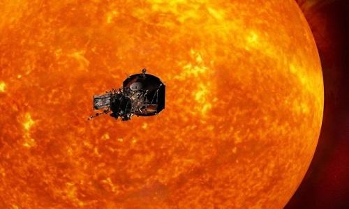 Tàu Parker sẽ ghé sát vành nhật hoa của Mặt Trời. Ảnh: Fox News.