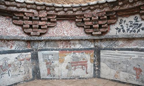 Hình vẽ trên tường mộ kể về đời sống ở Trung Quốcdưới sự thống trị của quân Mông Cổ. Ảnh: Live Science.