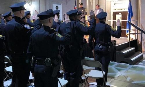 Các cảnh sát tại thành phố Hartford. Ảnh: Facebook.