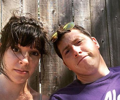 Richard Russell trong một bức ảnh chụp cùng người vợ Hannah. Ảnh: Facebook.