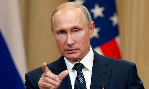 Tổng thống Nga Putin ngày 16/7 họp báo ở Phần Lan. Ảnh: Reuters.