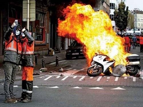 Chẳng mấy khi xe cháy.