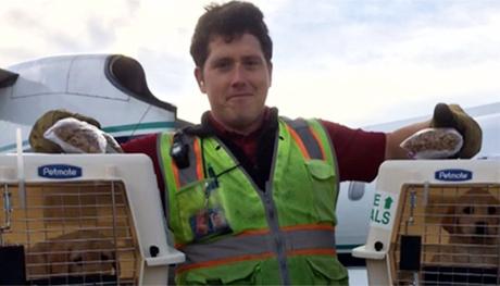 Richard Russell chia sẻ hình ảnh tại sân bay Seattle trong một ngày làm việc trước vụ tự sát. Ảnh: CBS News