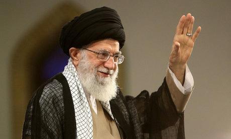 Lãnh đạo tinh thần Khamenei xuất hiện trước người dân Iran hôm 13/8. Ảnh: Reuters.