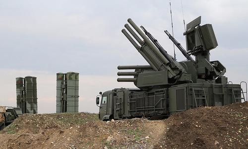 Tổ hợp S-400 và Pantsir-S1 được Nga triển khai tại Hmeymim từ cuối năm 2015. Ảnh: TASS.