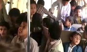 Phút cuối của các học sinh trên xe bus bị không kích ở Yemen