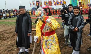 Tên gọi vua Lê 'Đại Hành' còn lạ lùng hơn vua Lý 'Thái Tổ'