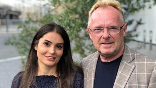 Ông Per Sandberg và bạn gái Bahareh Letnes. Ảnh: TVM