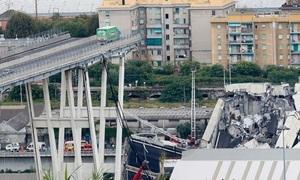 Cầu sập ở Italy nhìn từ trên cao
